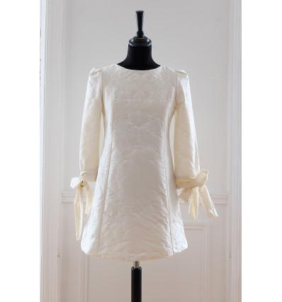 Victoire Vermeulen - Robe courte avec manches